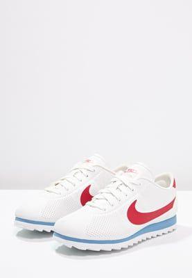 finest selection 3bc68 6bbde Köp Nike Sportswear CORTEZ ULTRA MOIRE - Sneakers - summit white varsity red  varsity blue för 999,00 kr (2016-08-07) fraktfritt på Zalando.se