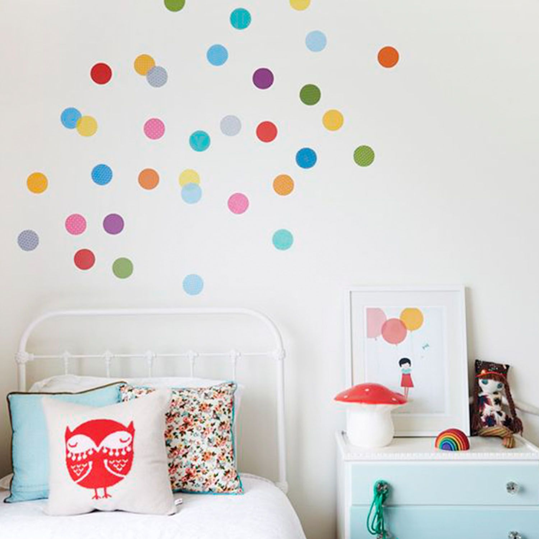 Habitaci n infantil con confetti de colores