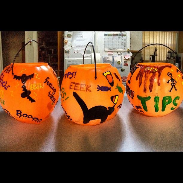 New #Halloween #tip jars! (Photo credit: @colettenicole_ via Instagram) #scary #spooky #boo #orange #pumpkin #fall