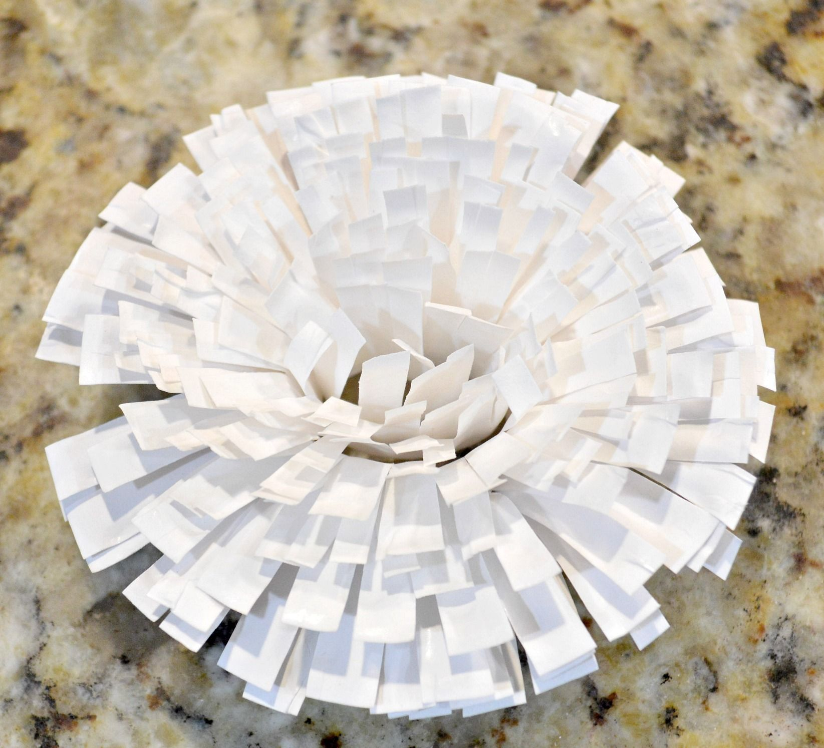 Graphic Paper Flowers From Paper Plates Paper Plate Crafts Flower