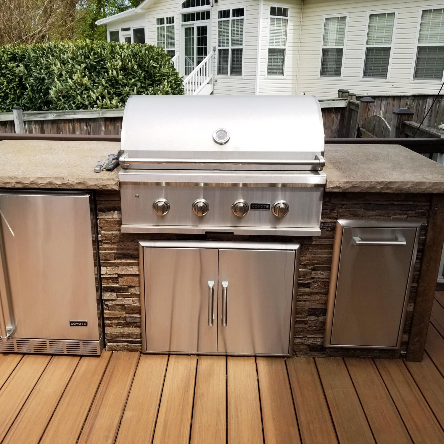Coyote Ready To Assemble 8 Ft Outdoor Kitchen Island With 36 Inch C Series Natural Gas Grill Ships As Propane With Conversion Fittings Stacked Stone Brown T Outdoor Kitchen Island Outdoor Kitchen Stacked Stone