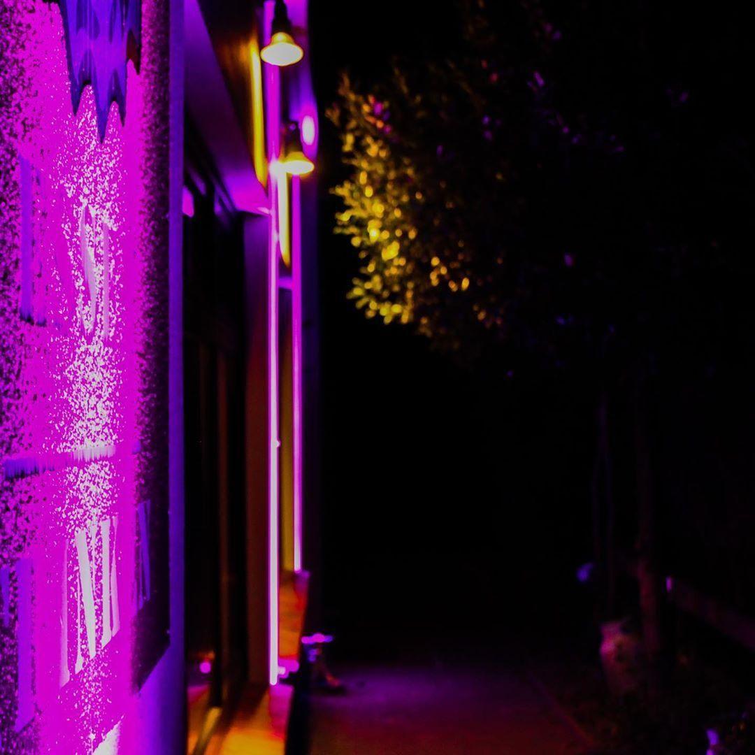 Illumination Architektur Pink Beleuchtung Led Eventtechology Eventtechnik And Architektur Beleuchtung Bremen Buhnentechnik Even Neon Signs Neon