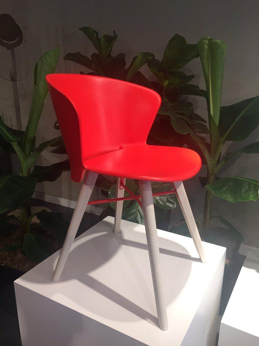 Calligaris Furniture Melds Design Artistry And Innovation Furniture Light Wooden Floor Design