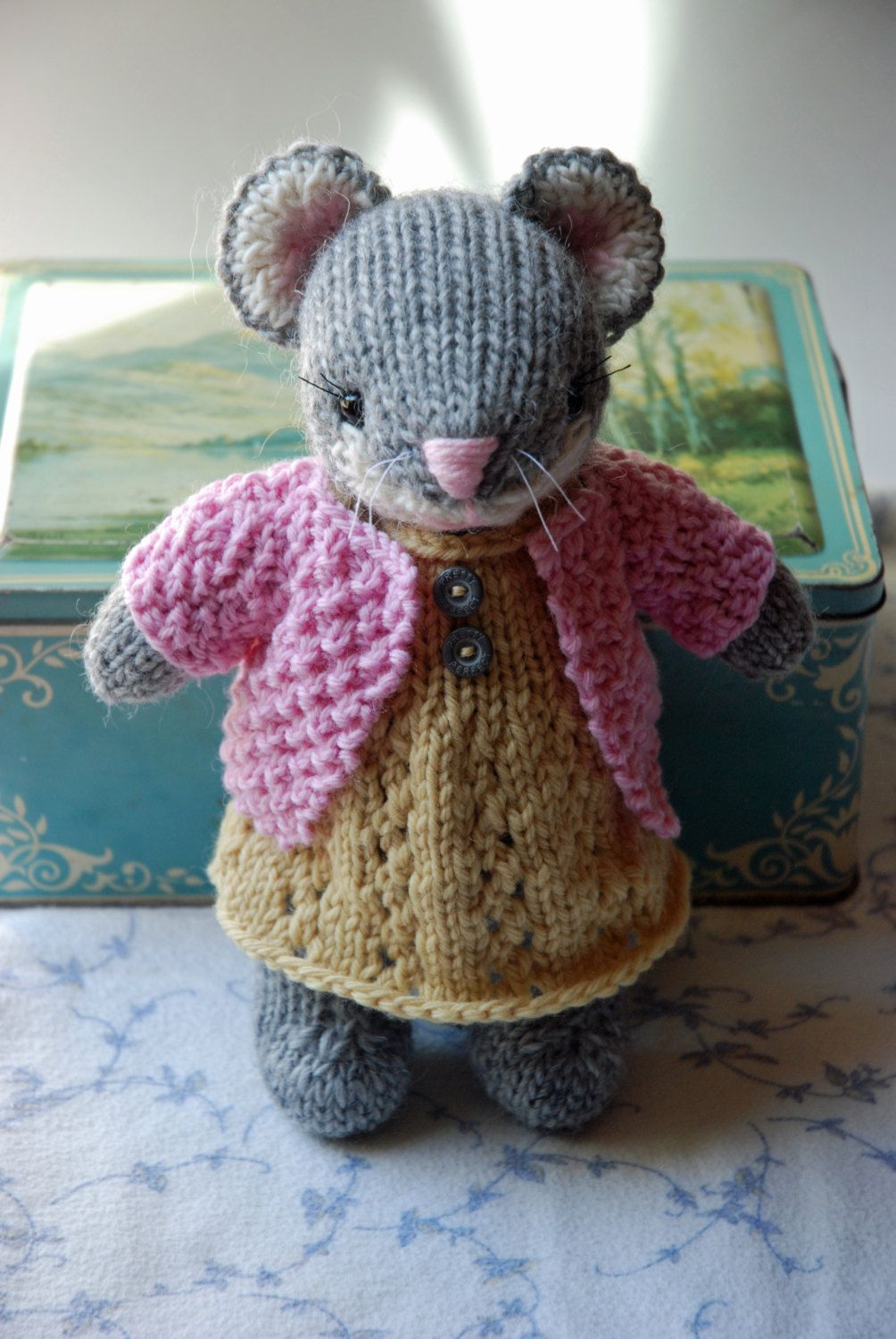 Knitted Mouse Toy in Yellow Dress and Pink Sweater | Tejido ...