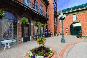 Kingsley Inn Hotel In Fort Madison Ia Offers Victorian Guest Rooms And Suites