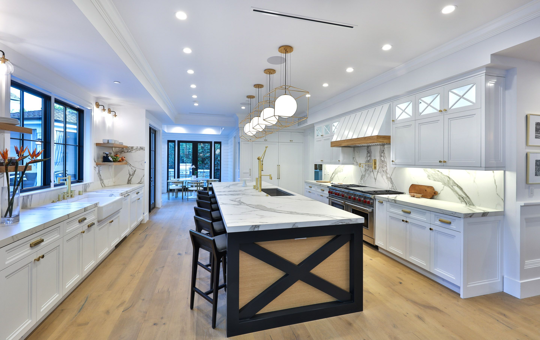 Luxury modern kitchen | Log home kitchens, Luxury kitchens ...