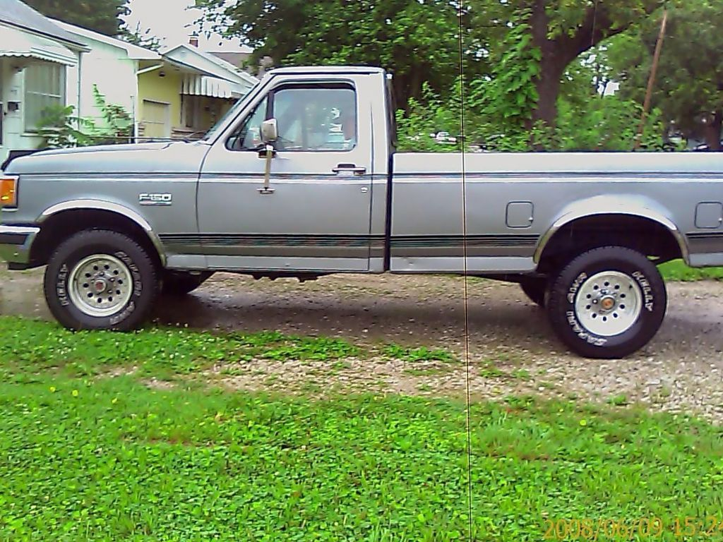 Fordtruckoutlaw s fordf150 regular cab i had a truck like this in the 90 s except