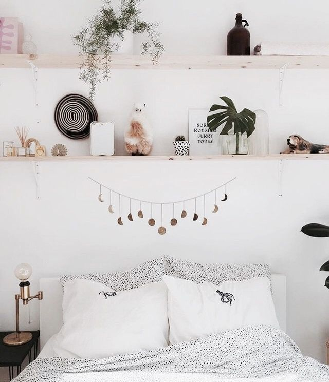 Bohemian style room with shelves above the bed - Apartment - ... Bohemian style room with shelves above the bed - Apartment - ...,