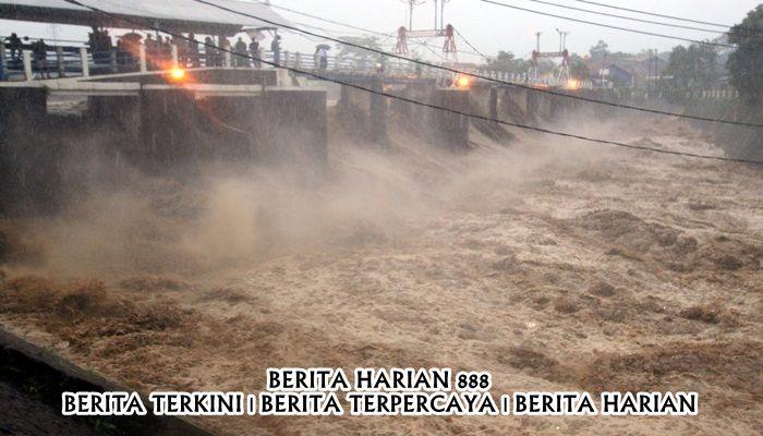 Banjir Jakarta Dari Hujan Deras di Bogor