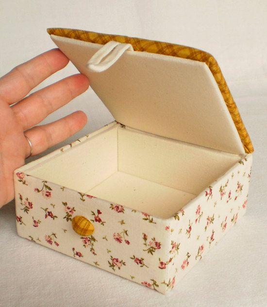 Caja forrada de tela muy bonita patchwork y quilt ideas pinterest caja de cart n cart n - Cajas de carton bonitas ...