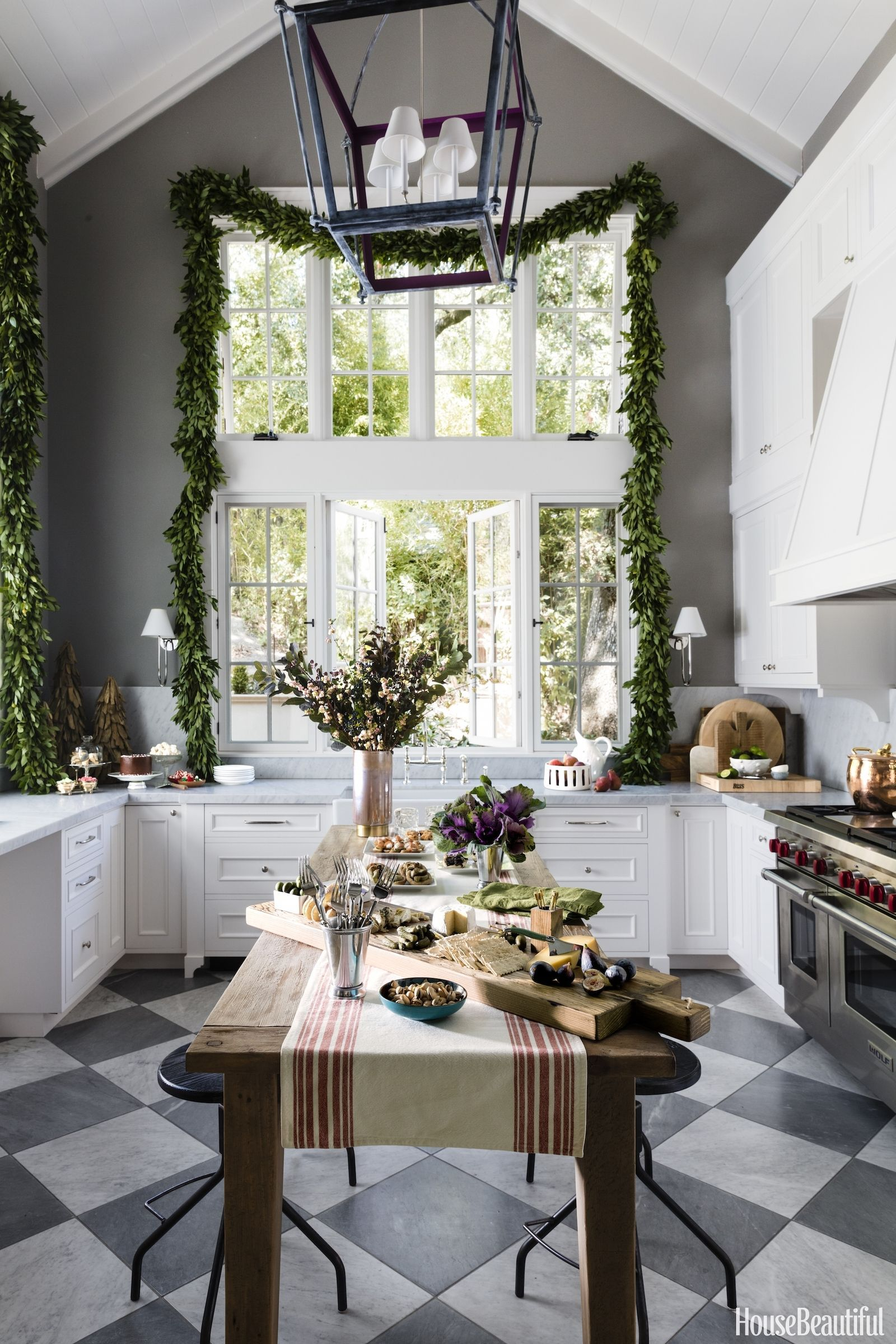 House Beautiful: This California Kitchen Is Made For Holiday Entertaining