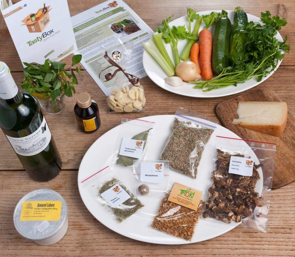 Das war alles in der TastyBox zum Kochen im August: Gratiniertes Grünkern-Steinpilz-Risotto - Eine wahre Box für Feinschmecker!