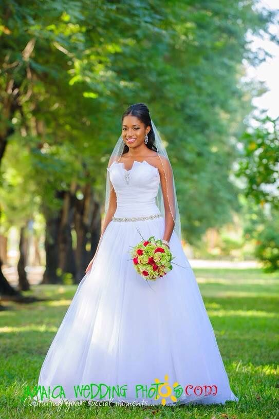 Bride In Wedding Dress By Bliss Bridal Boutique Jamaica And Bridal Bouquet By Helen G Events Jamaica Wedding Dresses Wedding Photoshoot Wedding Photos