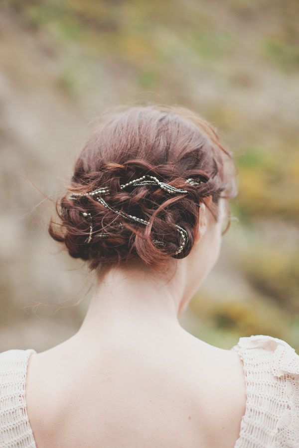 Soft And Rustic New Zealand Wedding Real Weddings Once Wed Natural Wedding Hairstyles Hair Styles Wedding Hairstyles