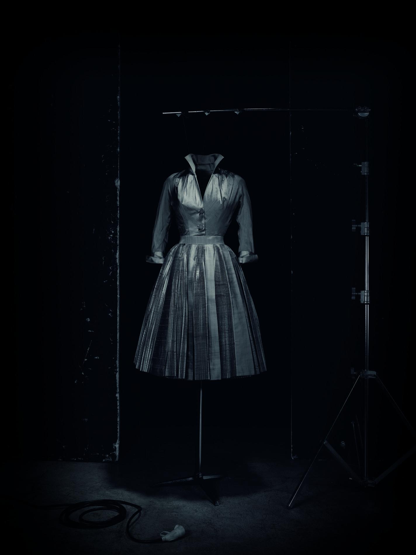 Ensemble de cocktail Topaze, haute couture automne-hiver 1951. Christian Dior et Granville : l'exposition qui rend hommage à...