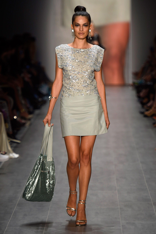 wholesale dealer fe119 322a2 Guido Maria Kretschmar Show - Mercedes-Benz Fashion Week ...