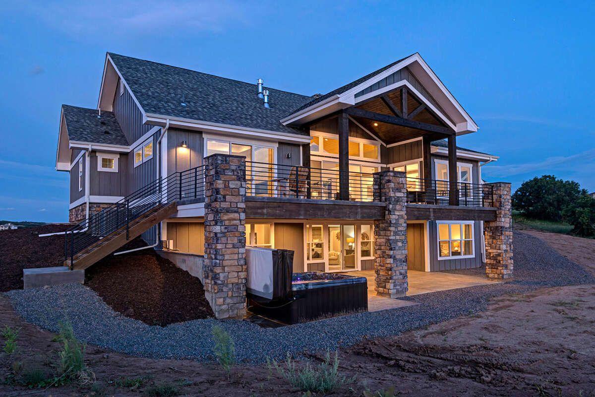 House Plan 5631 00129 Craftsman Plan 2 744 Square Feet 2 Bedrooms 2 5 Bathrooms In 2020 Craftsman House Lake House Plans Craftsman House Plan