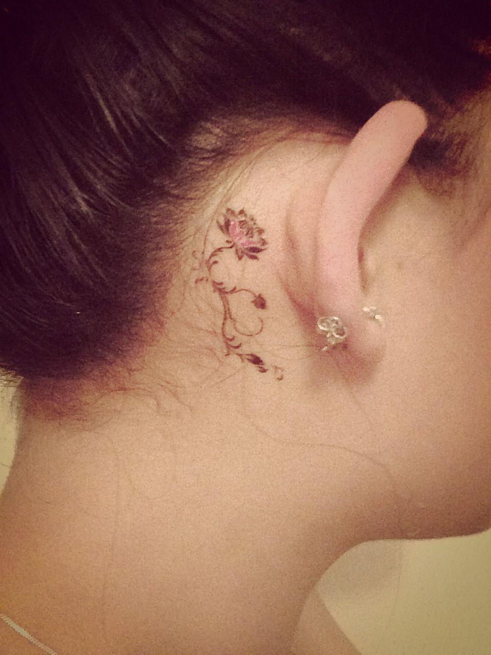 Flower tattoo behind ear dainty tattoo pinterest for Dainty flower tattoos