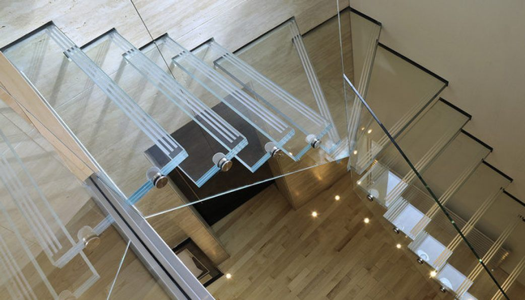 「see through stairs」の画像検索結果
