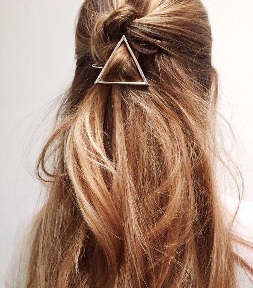 Sommer Frisuren Die Man Sofort Ausprobieren Mochte Sommerfrisuren Frisur Knoten Haar Styling