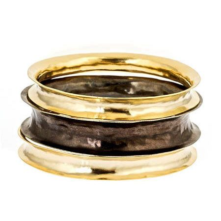 Anticlastic rings.