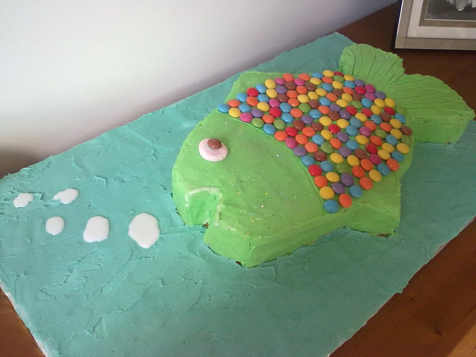 Birthday fish cake cake decorating pinterest for Fish birthday cake