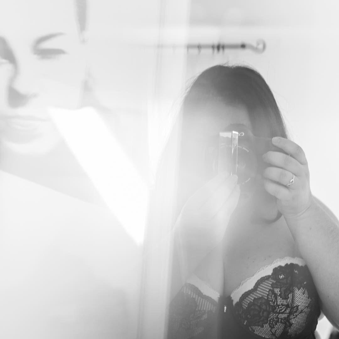 Happy international women's day. Celebrate yourself and all women around you 🙌⠀ .⠀ .⠀ .⠀ #internationalwomensday #beautiful #woman #women #youarebeautiful #genderequality #edinburghlife #celebratelife #prism #selfportrait #blackandwhite #loveyourself #budoirphotography #boudoir #buildandbloom