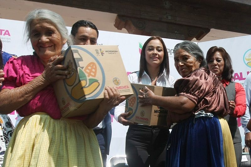 En presencia del presidente municipal Víctor Manuel Manríquez, integrantes del Cabildo, servidores públicos y adultos mayores, se hizo la entrega de los apoyos del programa Sí Alimenta, lo cual tuvo ...