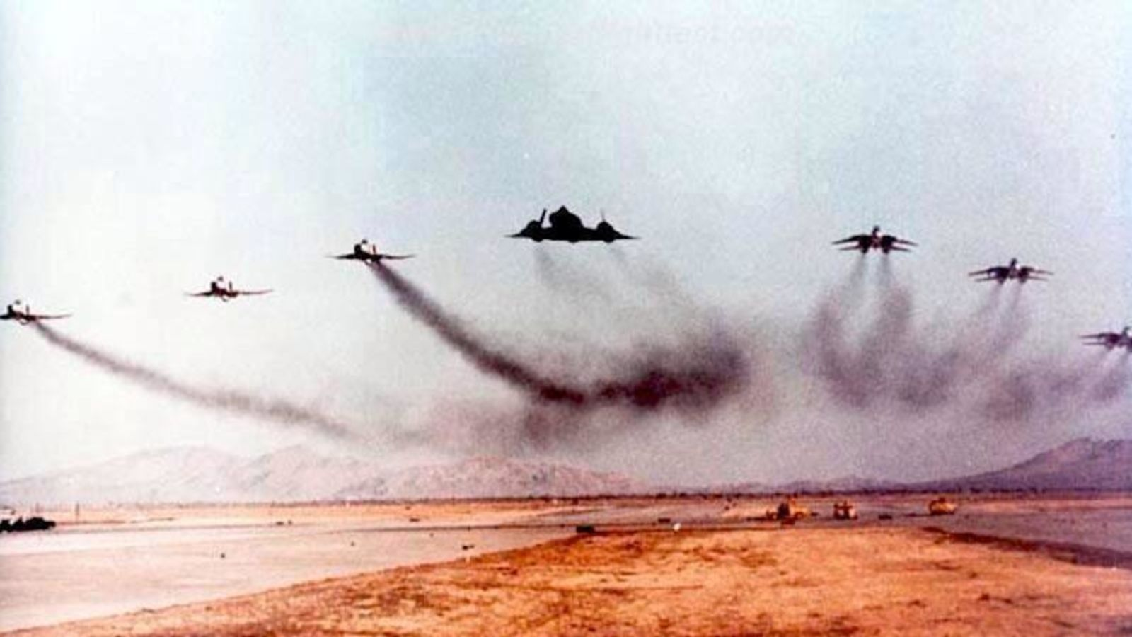 854906827f9 This has to be one of the coolest and the LOUDEST military aviation photos  in history