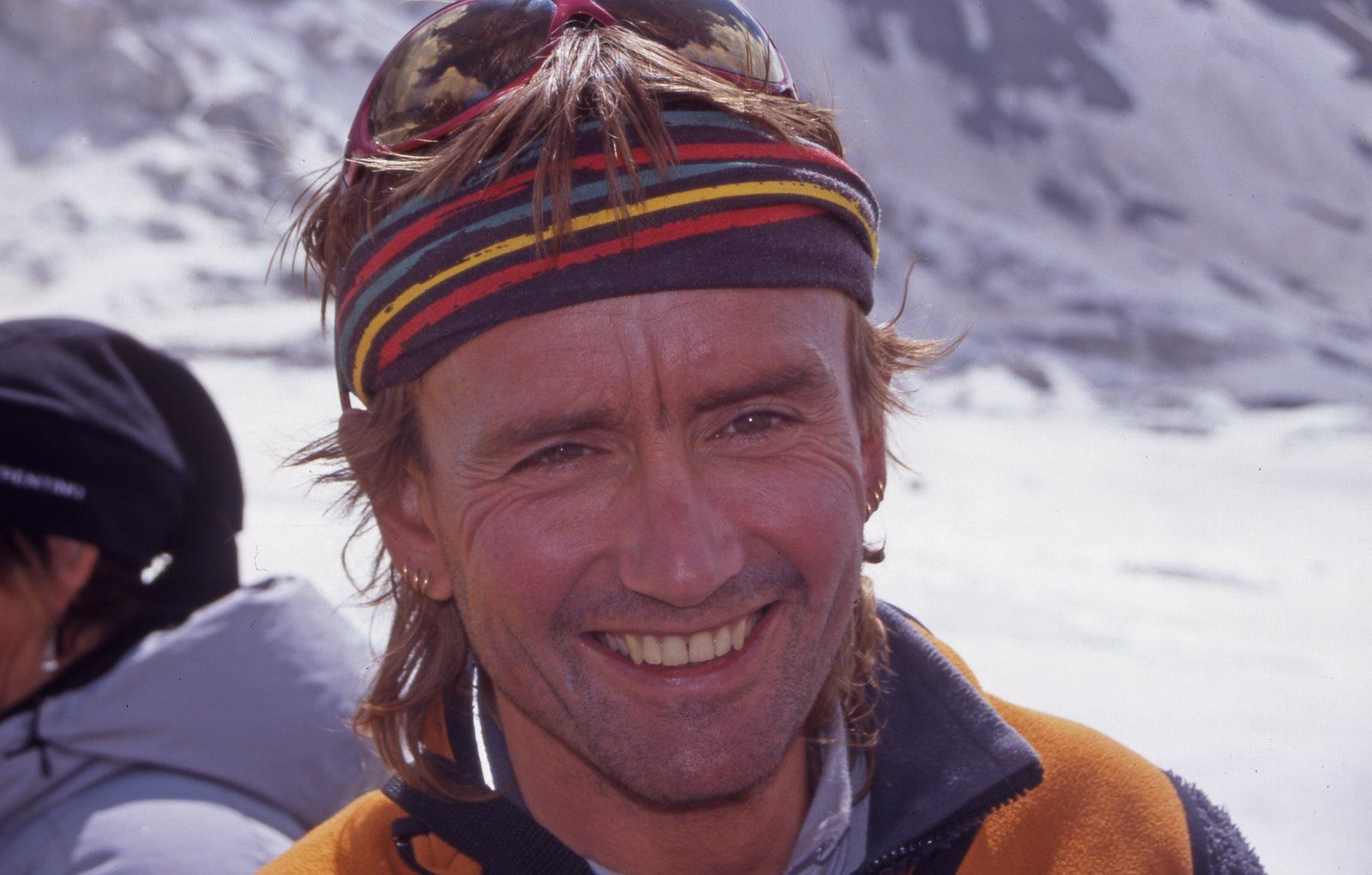 Iñaki Ochoa De Olza (1967 - 2008). Alpinista navarro que ascendió 12 ochomiles. Falleció el 23 de mayo de 2008, durante la ascensión al Annapurna mientras se movilizaba un espectacular intento de salvamento.