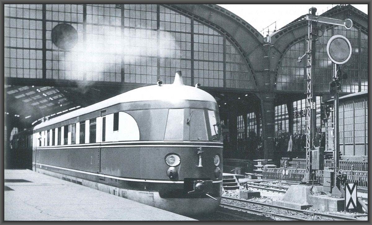 """1935 Der """"Fliegende Koelner"""" m Bahnhof Friedrichstrasse"""