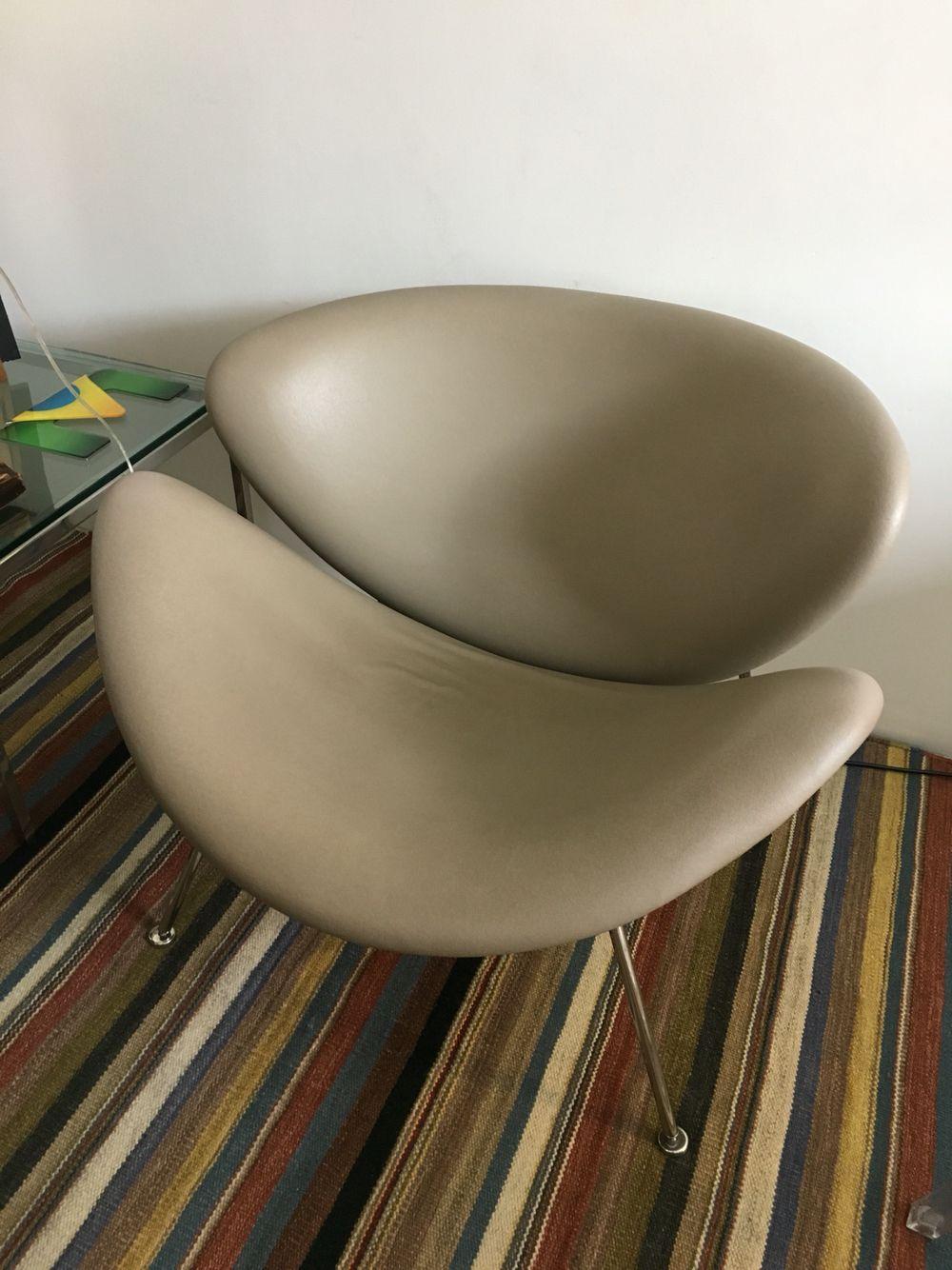 Estou com duas cadeiras dessas livres na Farol. Podemos pensar em usar ou reencapar.