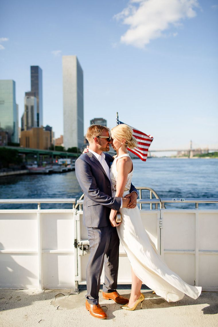 Stylish Nyc Elopement S Bide Wedding Dress