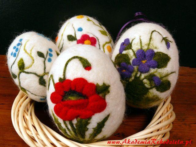 Filcowane Pisanki Jajo Ze Styropianu Wys 9cm Idealne Na Ozdoby Swiateczne Pisanki Dobra Baza Do Wykonywania Ozdob N Felt Crafts Felted Soap Wool Crafts