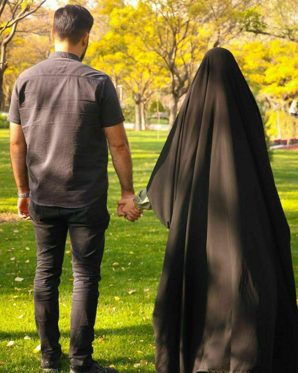 وإذا البشائر لم تحن أوقاتها فبحكمة عند الإله تأخرت سيسوقها في حينها فاصبر لها حتى وإن ضاقت عليك وأقفرت Persian Girls Beautiful Hijab Muslim Girls