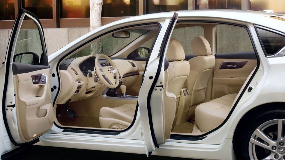 Discover The 2015 Nissan Altima From All Angles Nissan Altima Altima Nissan Cars