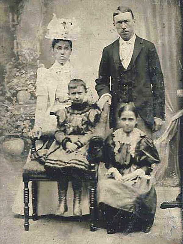 Henry and Geneva late 1870s, with children William and Jennie