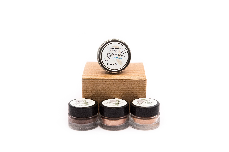 Basic Hippie Sample Makeup Kit Makeup kit, Makeup, Lip balm