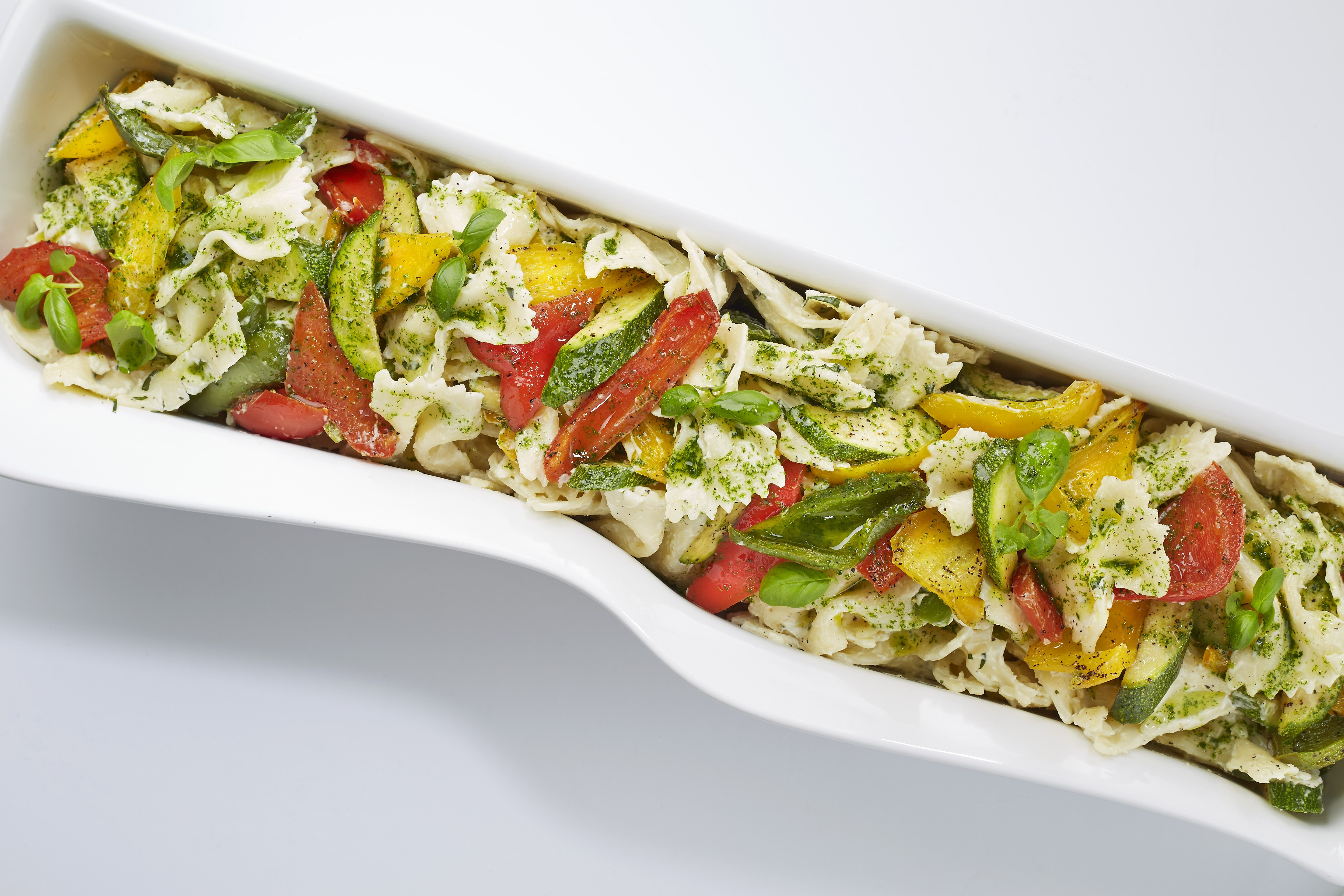Fork buffet salad - Farfalle pasta with courgette, peppers and basil mayonnaise