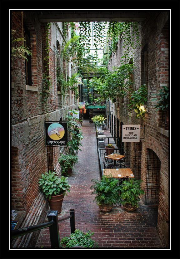 Old Market Pageway In Omaha Nebraska They Have Some New Rules About