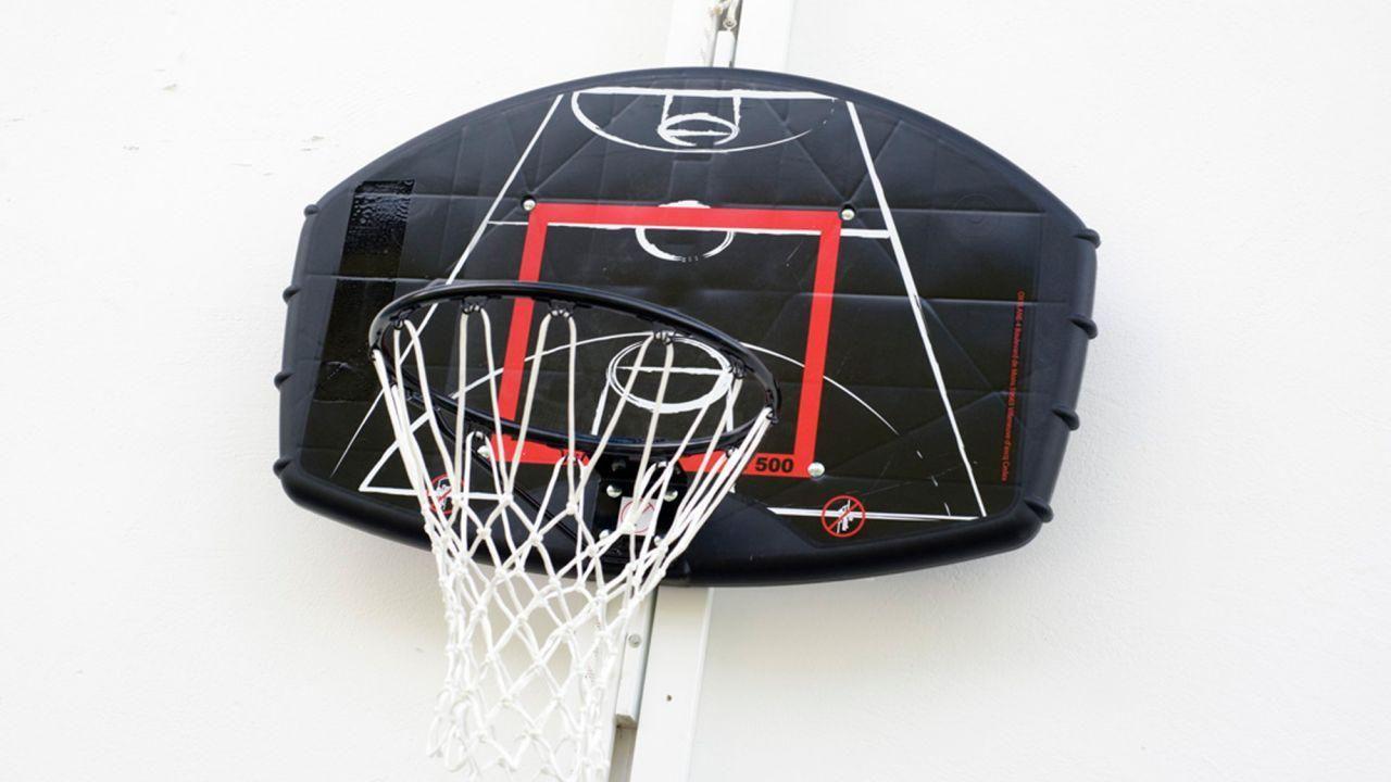 Cómo Colocar Una Canasta De Baloncesto En El Patio Bricomanía Canastas Baloncesto Bricolaje Fácil