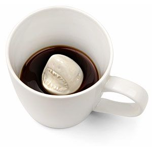 @Emylia Mier Denis!!! Just when you thought it was safe to drink coffee . . .Shark Attack Mug LOL