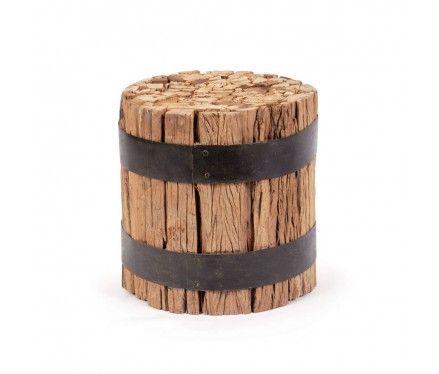 Trozos de madera y correas para hacer una banqueto