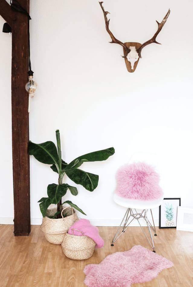 Wir sind ganz entzückt von den #pinken #Farbtupfern in unserer - wohnzimmer grau rosa