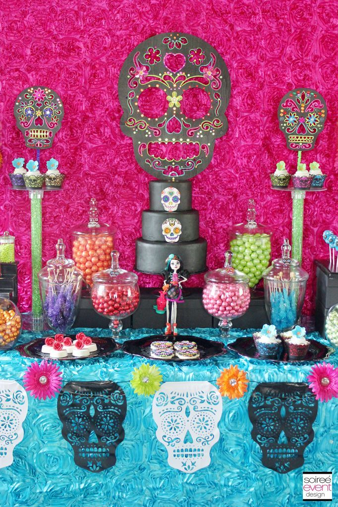 Day Of The Dead Halloween Candy Buffet Fiesta Dia De Muertos Fiesta De Los Muertos Noche De Muertos