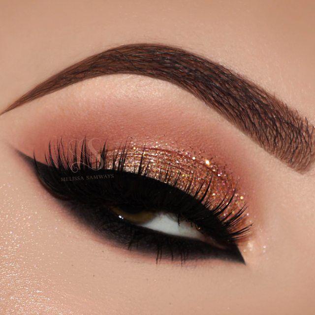 Beautiful gold glitter eye makeup