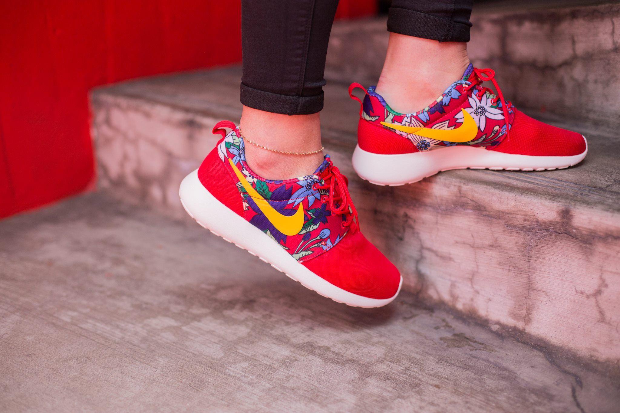 Nike Roshe Une Rose Pour Femmes Imprimé Robes