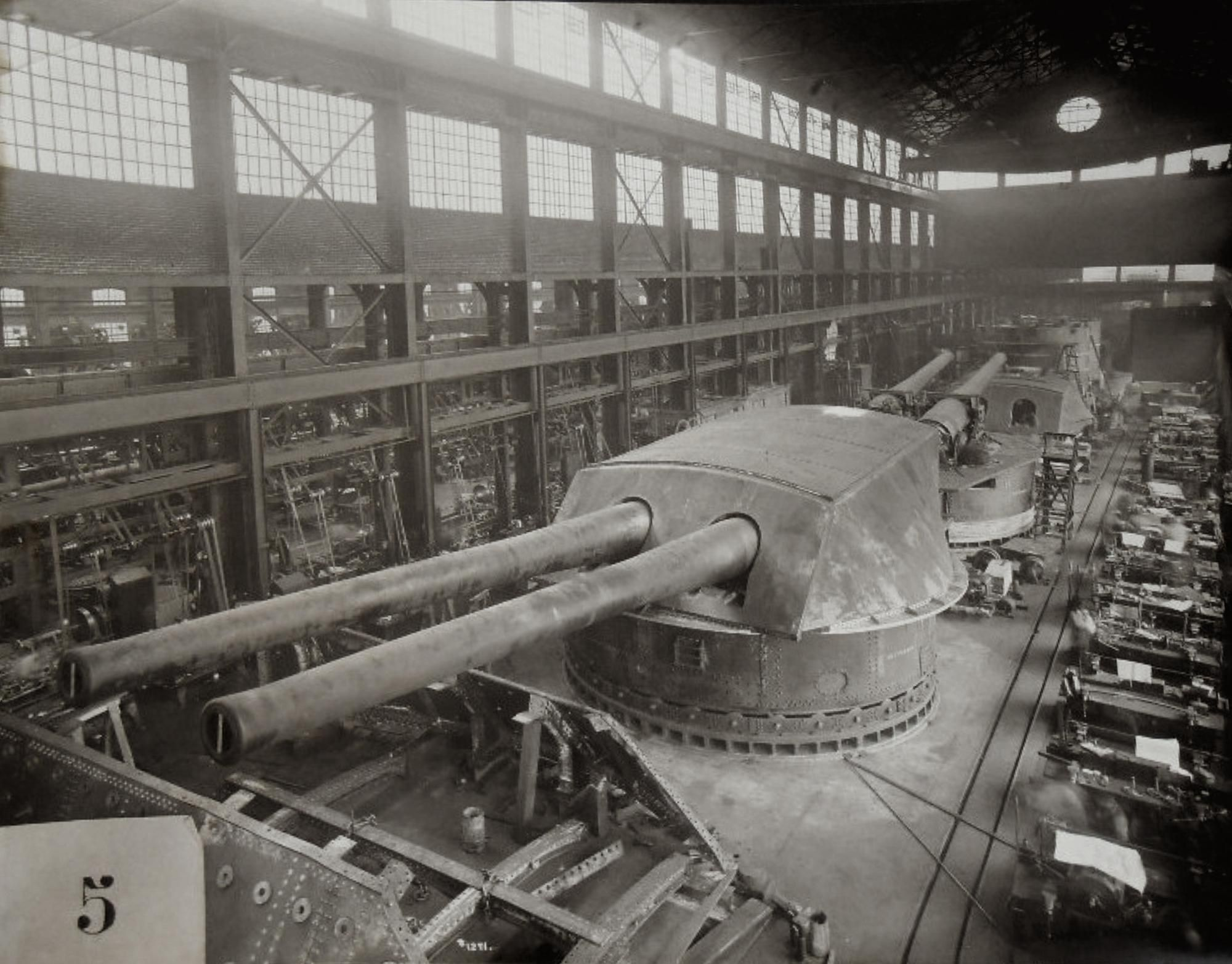 Building 14-Inch Naval guns (Bethlehem Steel?) | great ship,s of our ...