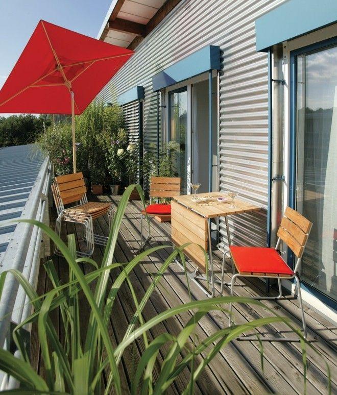 industrial-terrasse-und-balkon-klapptisch-roter-sonnenschirm ...