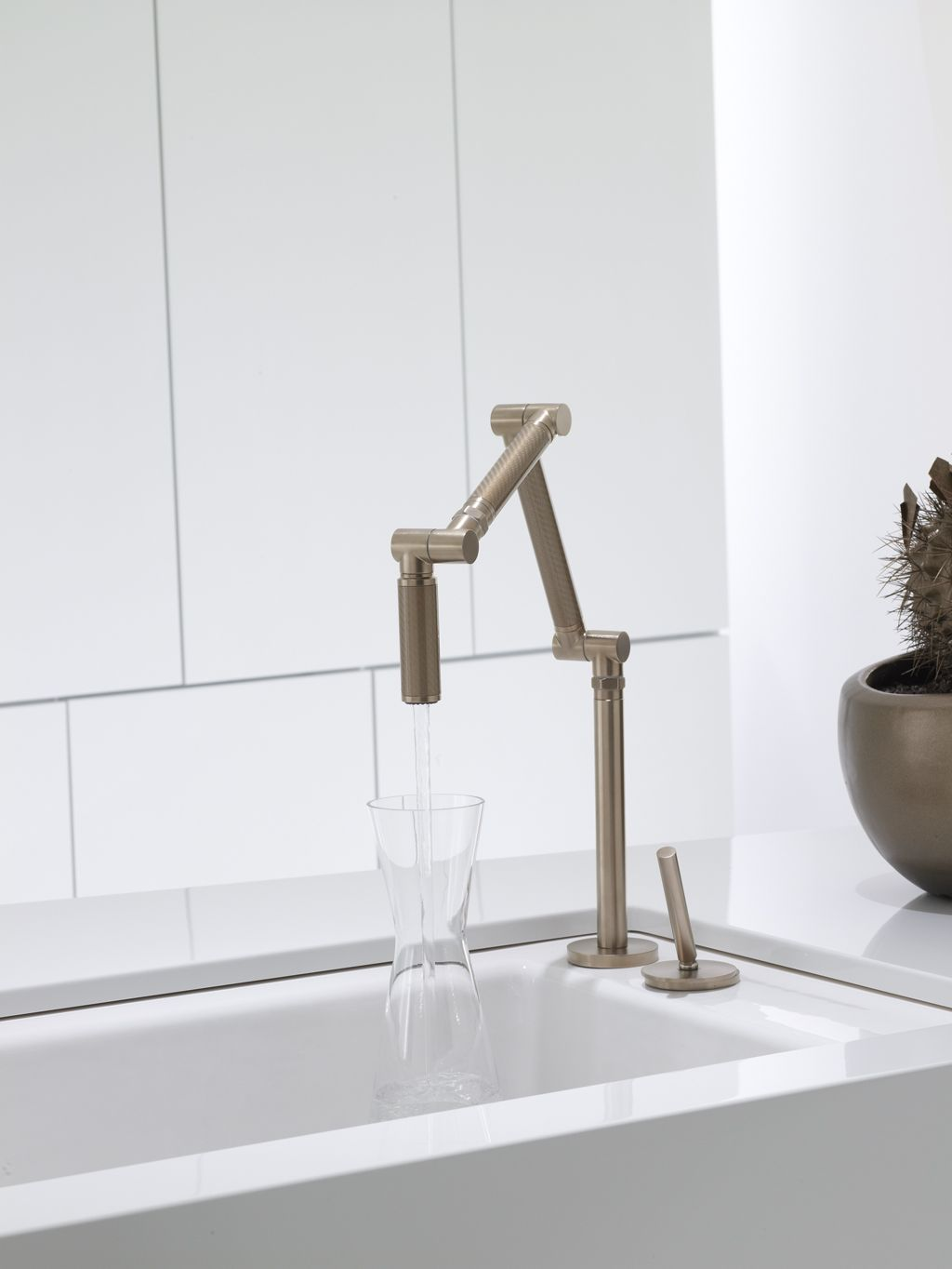 Kohler Co S Karbon Faucet With Bronze Finish Kitchen Faucets
